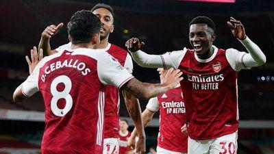 Arsenal nhọc nhằn đánh bại West Ham