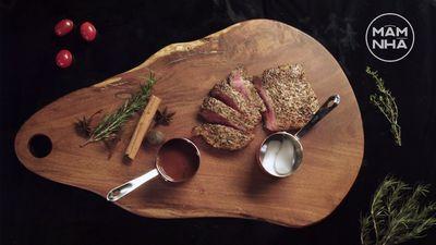 Cách Làm Steak Bò Sốt Rượu Vang Khói Trắng
