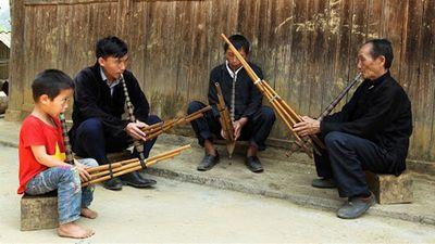 Nghề Chế Tác Khèn Của Người Mông