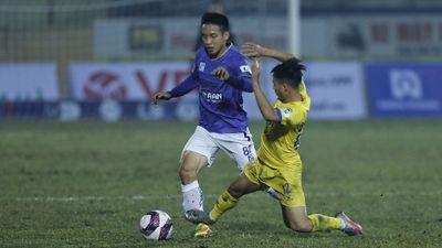 Nam Định thắng tưng bừng ngày khai màn mùa giải
