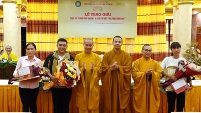 TP.HCM: Trao giải Cuộc Thi Giảng Và Viết Về Phật Pháp